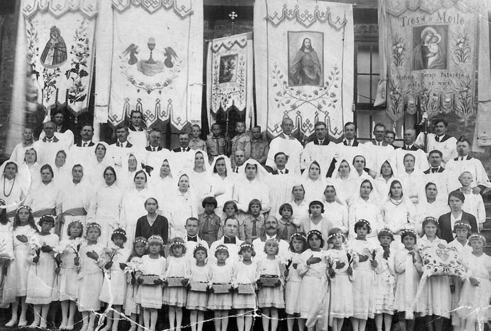 10 il. Po šv. Mišių mąstant apie būsimą šventovę, 1932 m. rugpjūčio 3 d., Kauno Kristaus Prisikėlimo bažnyčios ir parapijos archyvas