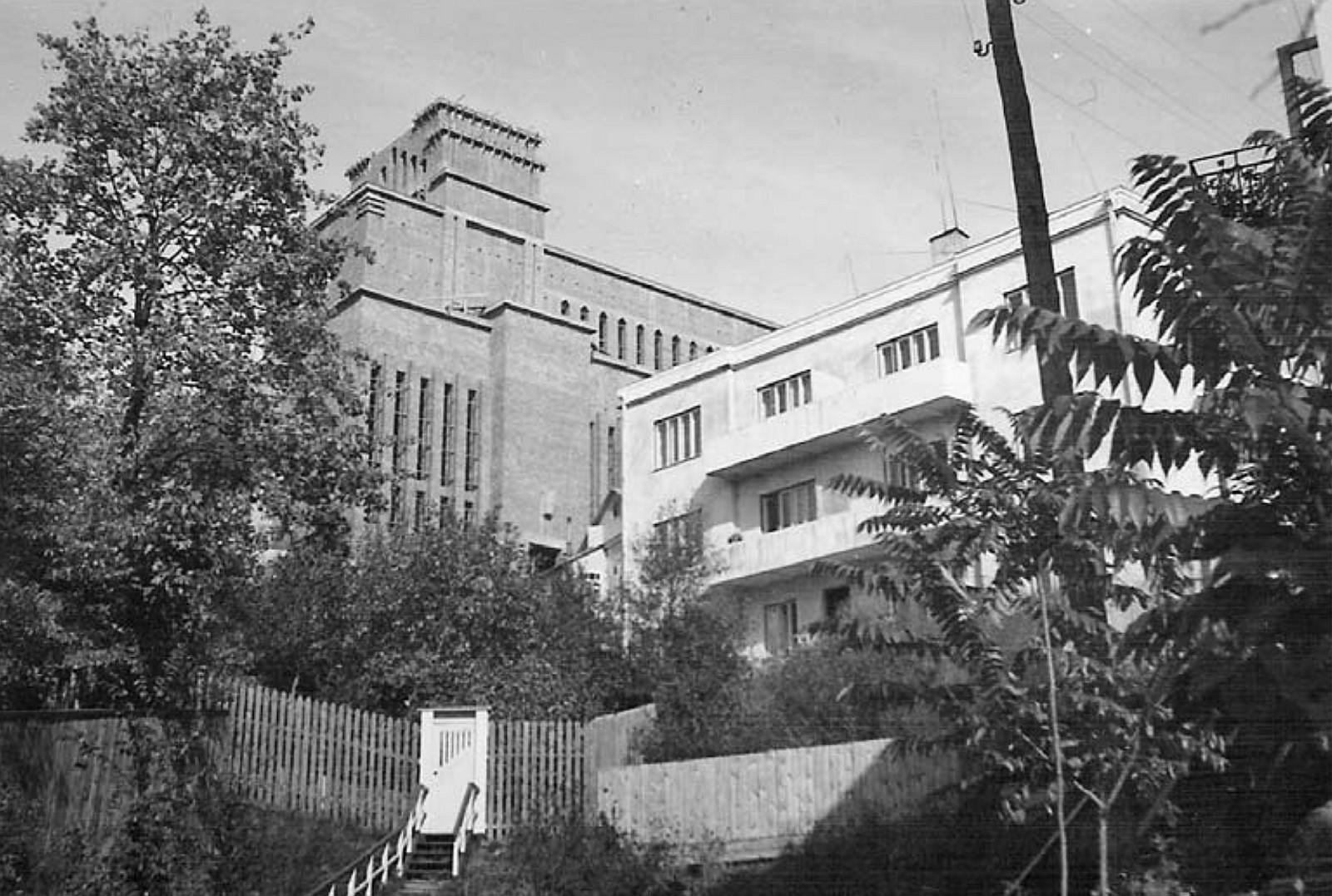 8 il. Bažnyčios statybai įsibėgėjant: pietinio šventovės fasado vaizdas, apie 1938 m., Kauno Kristaus Prisikėlimo bažnyčios ir parapijos archyvas