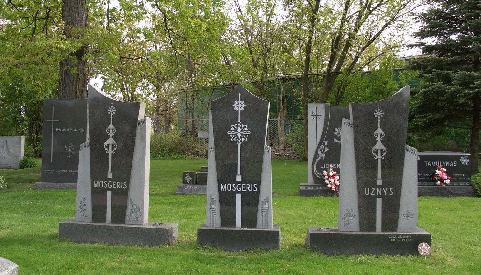 7 pav. Lietuvių tautinės kapinės Čikagoje. S. Urbonienės nuotr., 2012