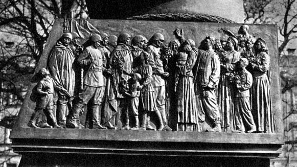 6 pav. Ivano Černiachovskio paminklo Vilniuje postamento reljefas, skulpt. Nikolajus Tomskis, 1950, bronza